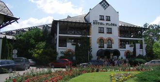 Hunguest Hotel Flora - Eger - Building