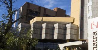 Sumatra Hotel e Centro de Convenções - ลอนดริน่า