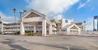 Motel 6-Brownsville, Tx North - בראונסוויל