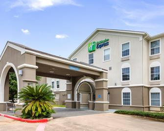Holiday Inn Express Hotel & Suites Columbus - Columbus - Building