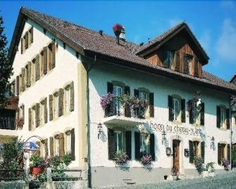 Hotel du Cheval Blanc - Nods - Building