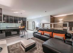 Rk Suite Hotel - Luanda - Wohnzimmer
