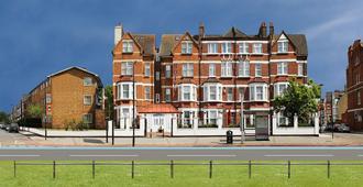 Clapham South Belvedere Hotel - London - Building