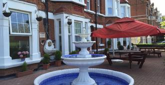 Clapham South Belvedere Hotel - London - Patio