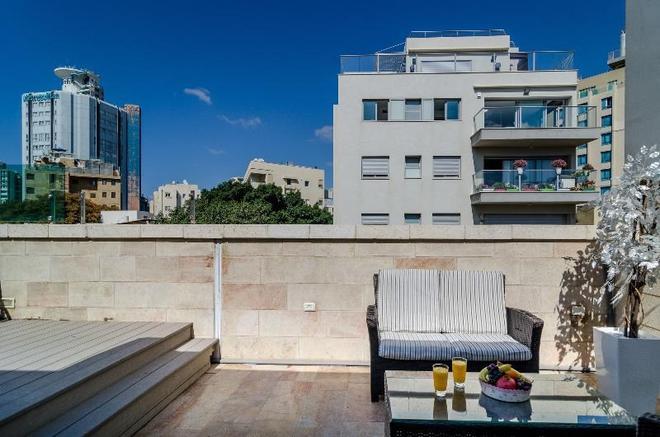 Ness Hotel - Tel Aviv - Balcony