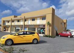 Aruba Airport Zega Apartments - Oranjestad - Building