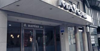 Hotel Maycar - A Coruña - Building