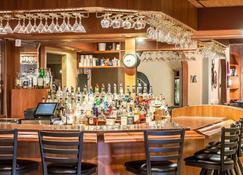 斯利普套房酒店 - 米諾 - 邁諾特 - 酒吧