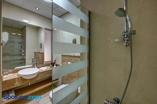 瓦斯爾胡里公司總裁酒店 - 杜拜 - 杜拜 - 浴室