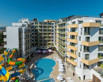 Best Western Plus Premium Inn - Sunny Beach - Building