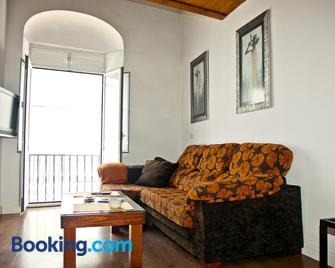 Apartamentos La Casa de la Alameda - Medina-Sidonia - Living room
