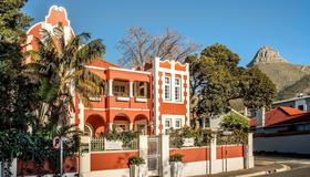 The Villa Rosa Bed and Breakfast - Cape Town - Building