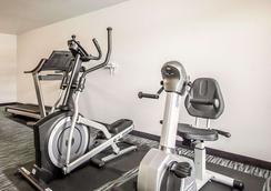 Econo Lodge Inn & Suites - Jackson - Gym