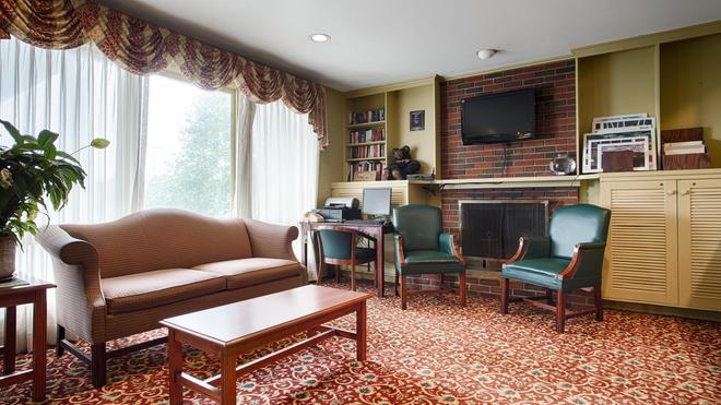 Best Western Freeport Inn - Freeport - Living room