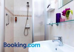 Hotel Corel - Χάγη - Μπάνιο