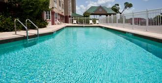 Country Inn & Suites by Radisson, Port Charlotte - Port Charlotte