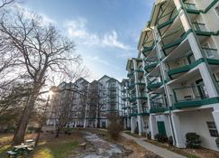 Carriage Place by Capital Vacations - Branson - Building