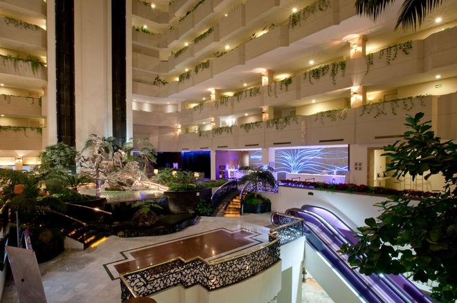 HS Hotsson Hotel Leon - Λεόν - Σαλόνι ξενοδοχείου