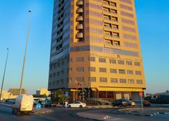 Ewan Ajman Suites Hotel - Ajman - Building