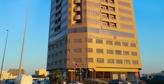 Ewan Ajman Suites Hotel - עג'מאן