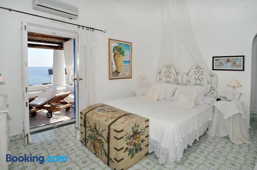 Lisca Bianca - Panarea - Schlafzimmer