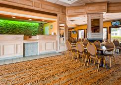 羅德威酒店 - 法耶特維爾 - 費耶特維爾(北卡羅來納州) - 大廳