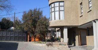 Noble Hearts Bed & Breakfast - Maseru - Edificio