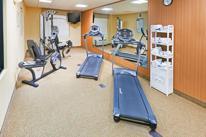 Country Inn & Suites by Radisson Chambersburg, PA - Chambersburg - Γυμναστήριο