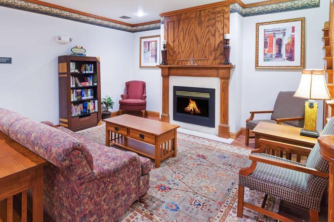 Country Inn & Suites by Radisson Chambersburg, PA - Chambersburg - Σαλόνι