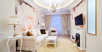 Vip-kvartira Leningradskaya 1 3 5 - Minsk - Sala de estar
