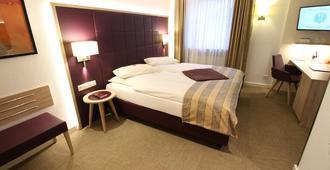 Hotel Zum Adler - בון - חדר שינה