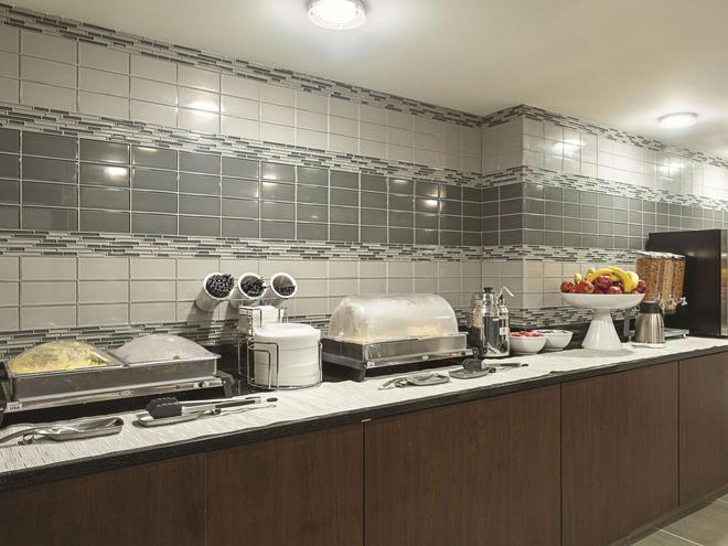 巴爾的摩華盛頓國際機場拉昆塔套房酒店 - 林夕昆高地 - 林夕昆高地 - 自助餐