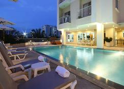 Kameo House Hotel And Serviced Apartments - Si Racha - Pool