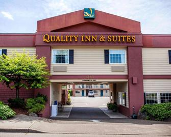 Quality Inn and Suites Bremerton - Bremerton - Building