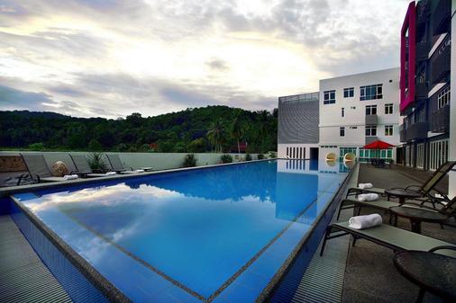 favehotel Cenang Beach Langkawi - Langkawi Island - Bể bơi