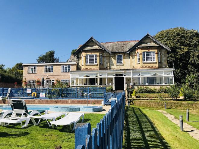 Luccombe Manor Country House Hotel - Shanklin - Building