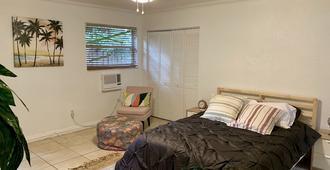 Charming Coconut Grove Studio! - Miami - Habitación