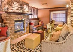 Holiday Inn Express Hotel & Suites Mccall-The Hunt Lodge - McCall - Living room