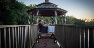 Grotto Bay Beach Resort - Hamilton - Restaurant