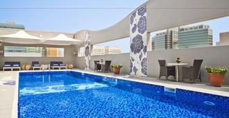 Oaks Liwa Executive Suites - Abu Dhabi - Svømmebasseng