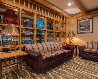 Holiday Inn Canyon De Chelly, An IHG Hotel - Chinle - Huiskamer