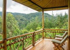 Ichumbi Gorilla Lodge - Kisoro - Balkon