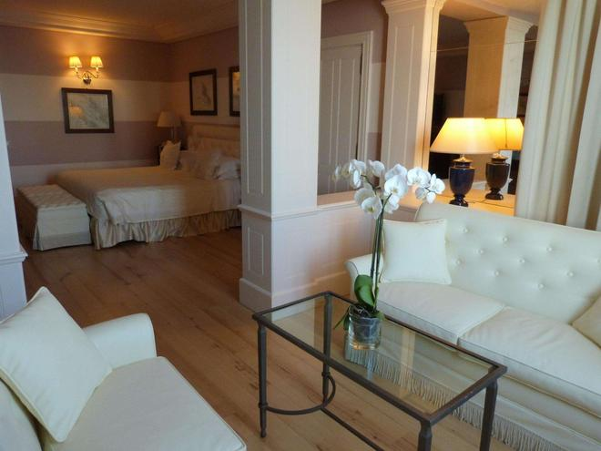 Excelsior Palace Hotel - Rapallo - Bedroom