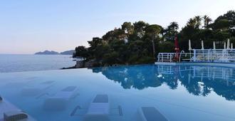 愛克賽希爾宮殿酒店 - 拉帕洛 - 拉帕羅 - 游泳池