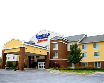Fairfield Inn and Suites by Marriott Fairmont - Фермонт - Building