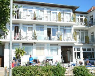 Hotel Zur Schönen Aussicht - Grömitz - Building