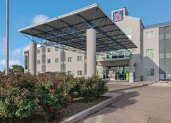 Motel 6 Roswell - Roswell - Building