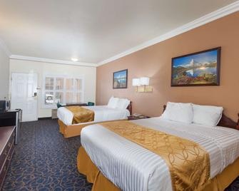 Days Inn & Suites by Wyndham South Gate - South Gate - Bedroom