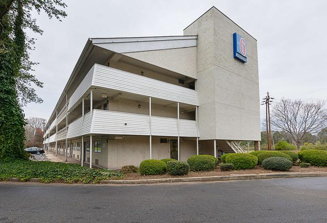 夏洛特體育館 6 號汽車旅館 - 夏洛特 - 夏洛特(北卡羅來納州) - 建築