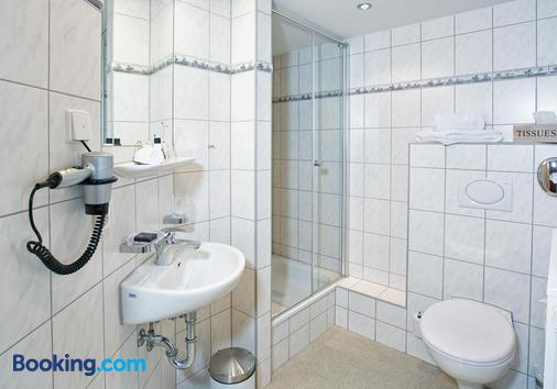 Hotel Post Jungingen - Hechingen - Bathroom